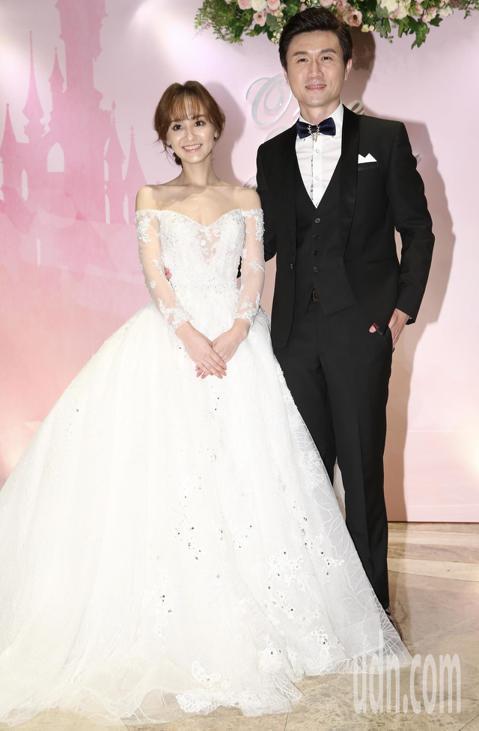 台視主播陳家頤、王李中彥晚間舉辦結婚典禮,邀請各界好友前來參與給予祝福。
