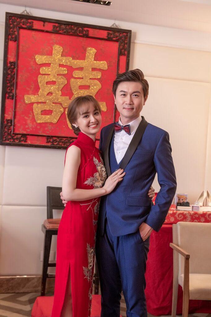 陳家頤穿上媽媽的旗袍出閣。圖/台視提供
