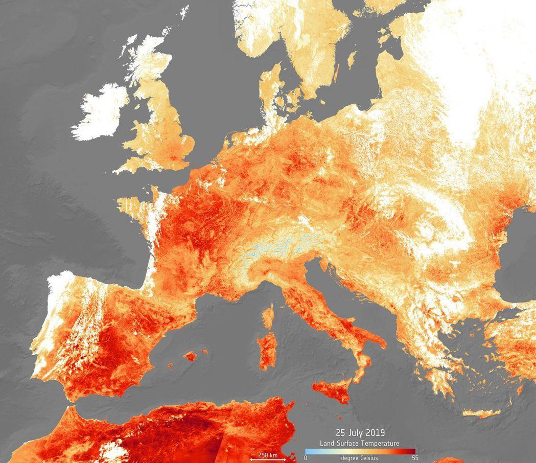 歐洲連日熱浪肆虐,許多國家氣溫達到歷史新高。(美聯社)