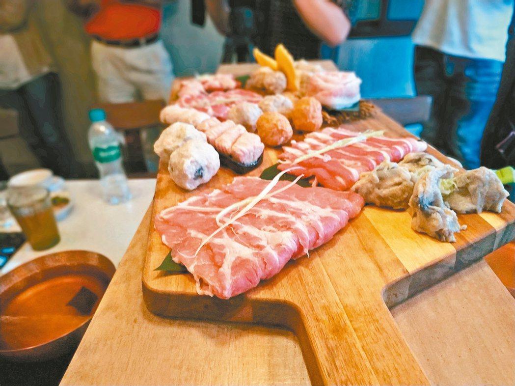 祥圃的豬屠宰後,豬肉運送全程冷鏈,並熟成超過12小時,含水分少,豬肉特別好吃。 ...