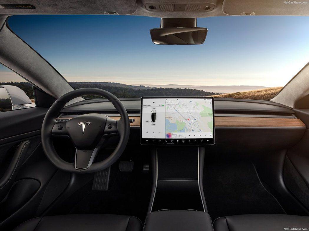 Tesla Model 3內裝。 摘自Tesla