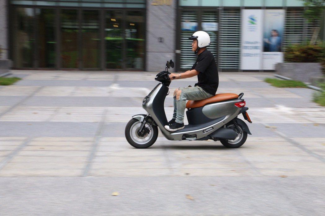 eMOVING巡迴據點現場亦提供iE125試騎體驗。 圖/中華汽車提供
