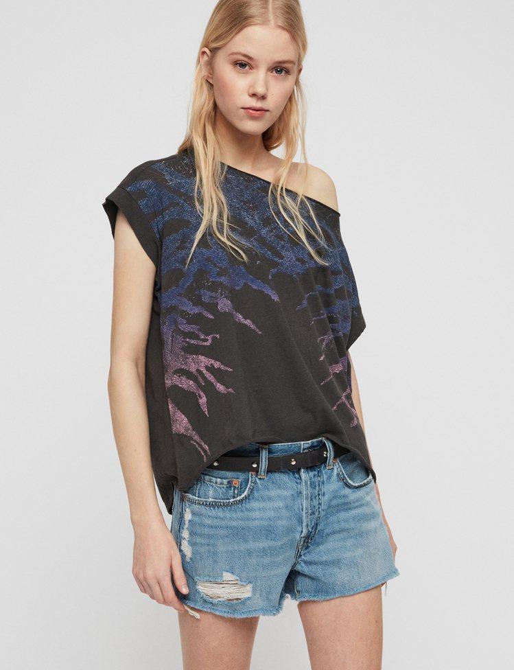 AllSaints Ombre印花上衣,2,100元。圖/AllSaints提供