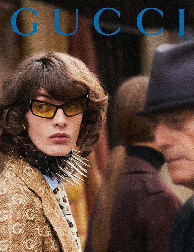 Gucci秋冬廣告同樣也將鏡頭帶到巴黎街頭,更把時光調成50、60、70、80年...