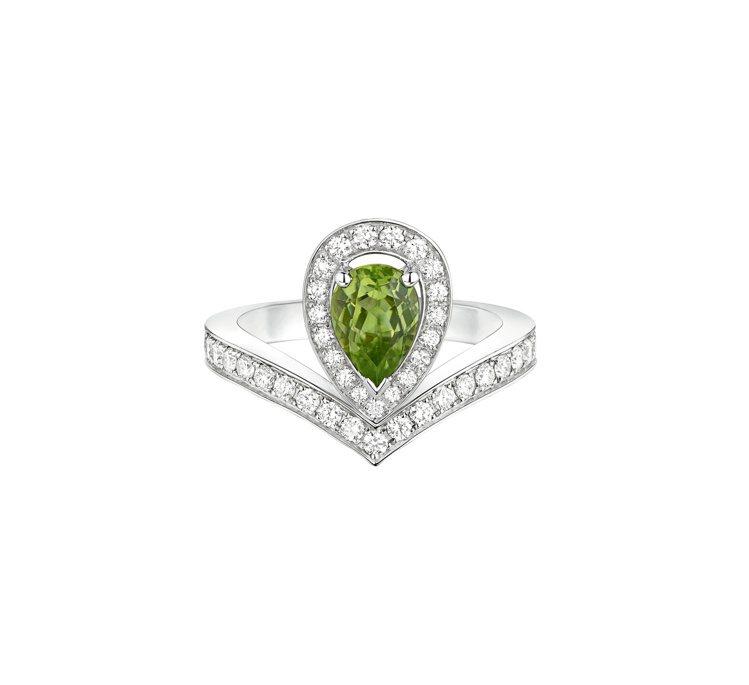 Chaumet Joséphine Aigrette 18K白金戒指,主石為0....