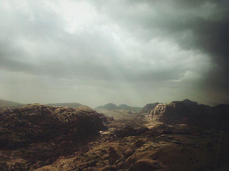 獲得地景類第一的Hsueh Isan,用iPhone SE拍出這張美照。圖/IP...