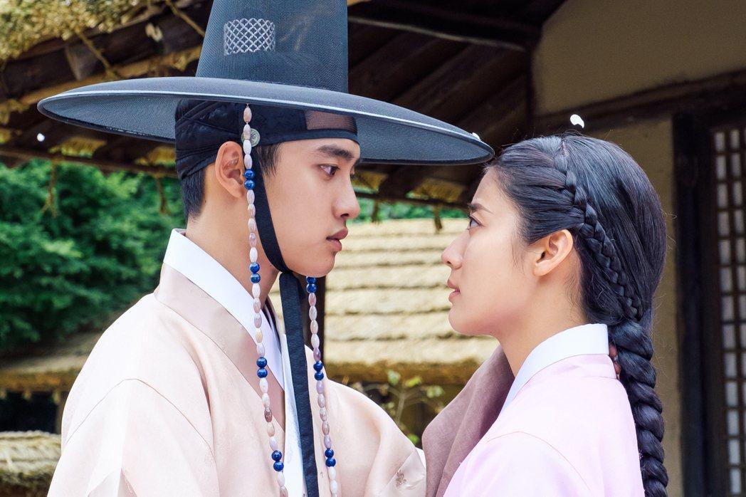 都敬秀(左)、南志鉉演出「百日的郎君」。圖/八大提供