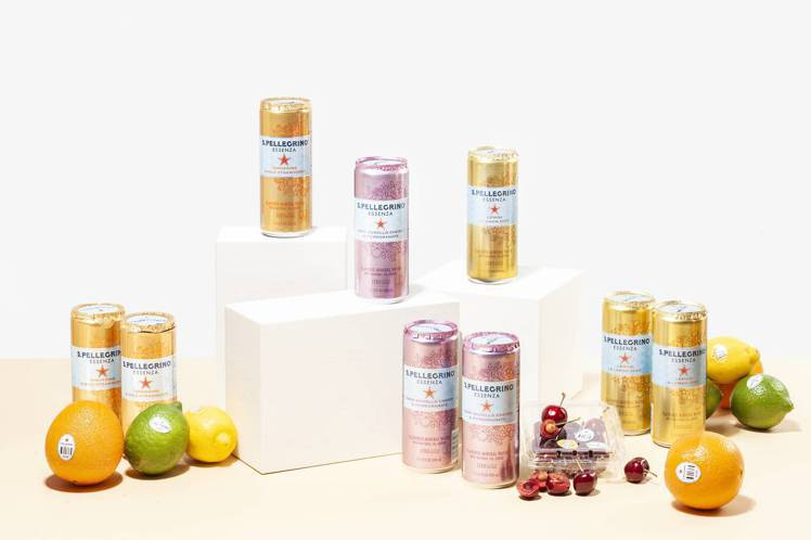 聖沛黎洛新系列Essenza冰心凍檸、橙香野莓、石榴櫻桃,每瓶售價55元。圖/聖...