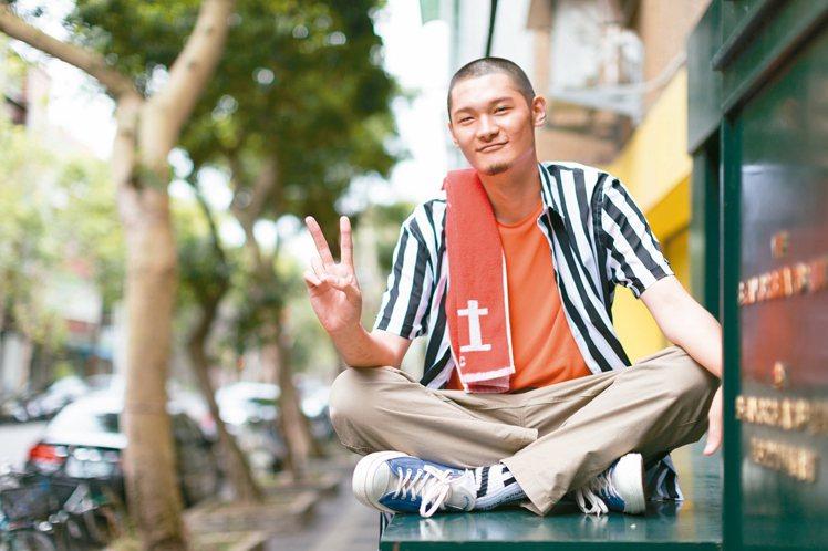 身為首位嘻哈金曲歌王,Leo王初衷是當音樂職人。 記者陳立凱/攝影