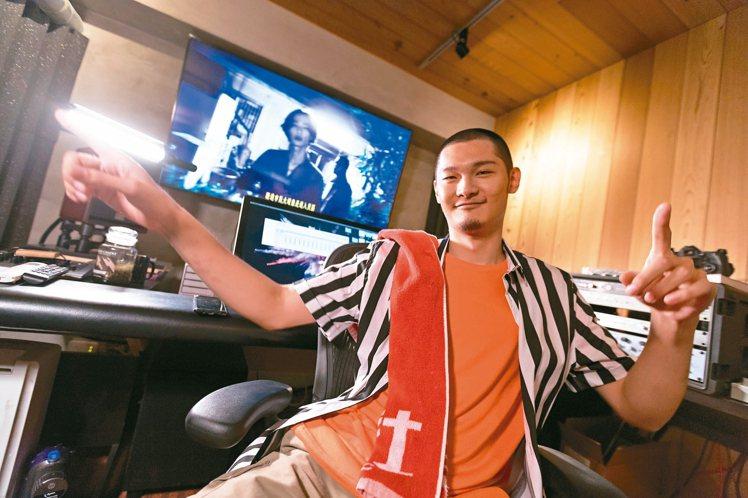 Leo王在錄音室裡很自在。 記者陳立凱/攝影