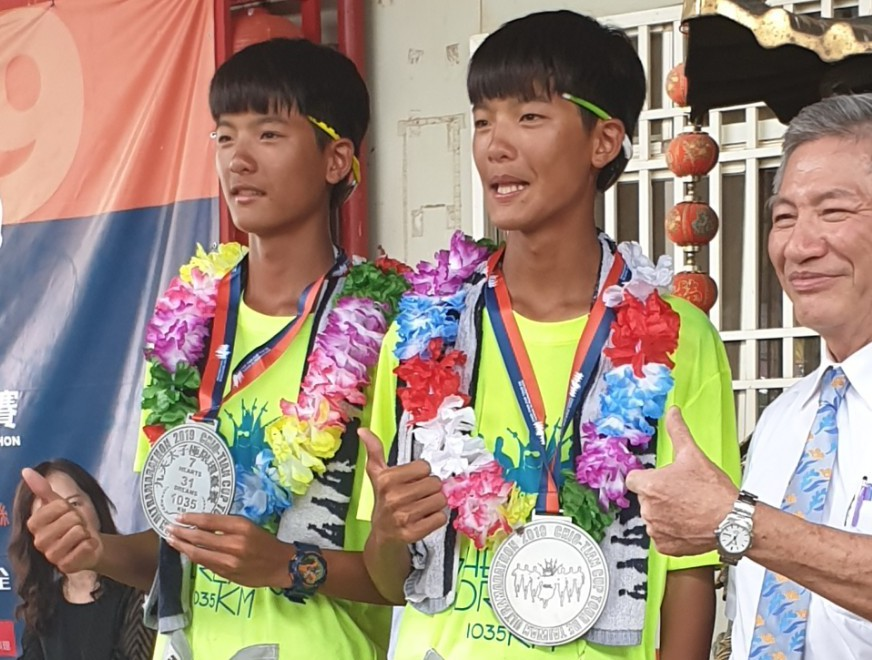第7屆九天盃太子極限環台賽昨天完賽,雙胞胎選手黃若泰號和黃若軒。 記者游振昇/攝...
