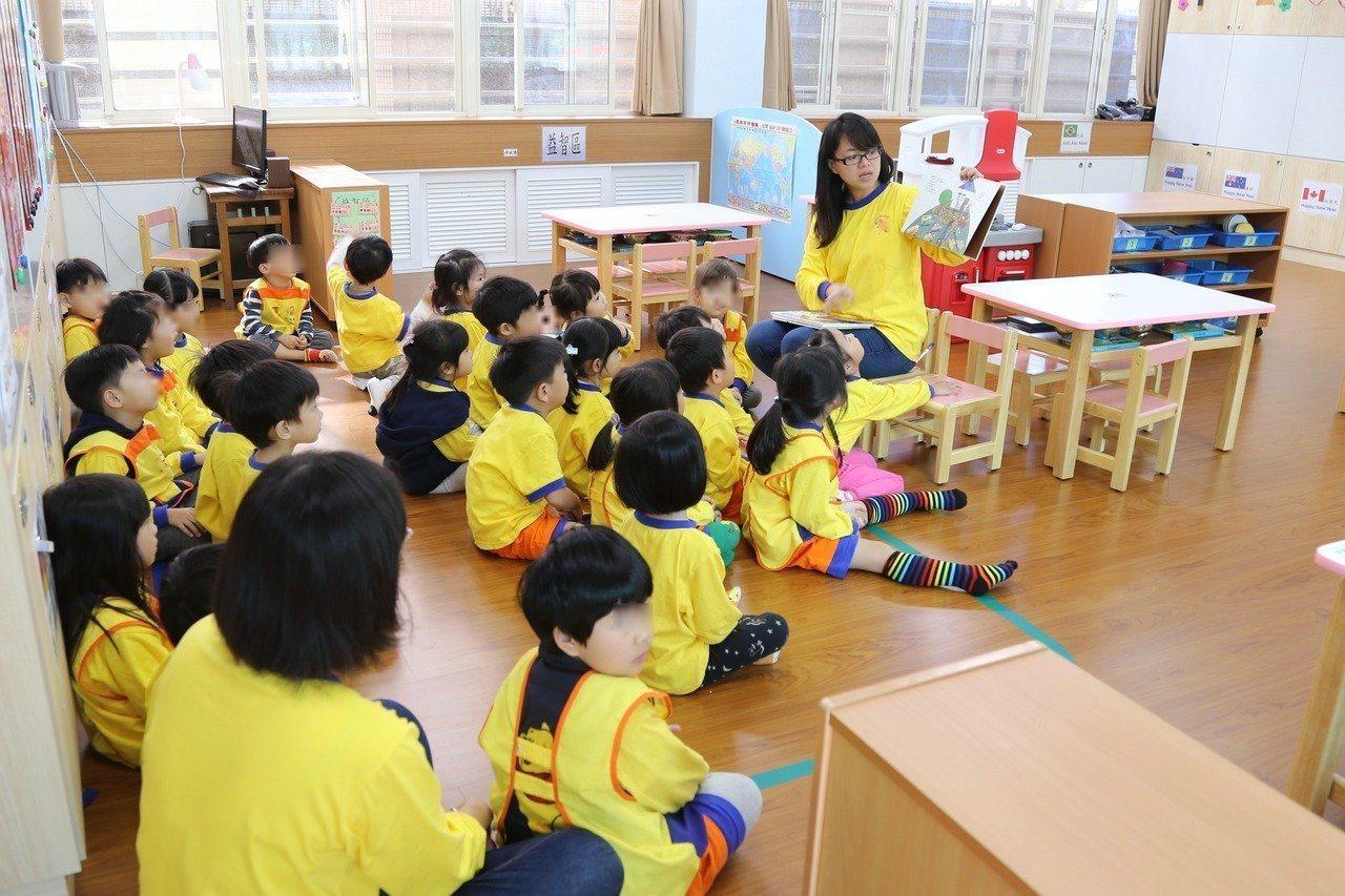 新竹縣目前僅有石磊國小附設幼兒園,以及新豐聚集德非營利幼兒園,有招收2至3歲的幼...