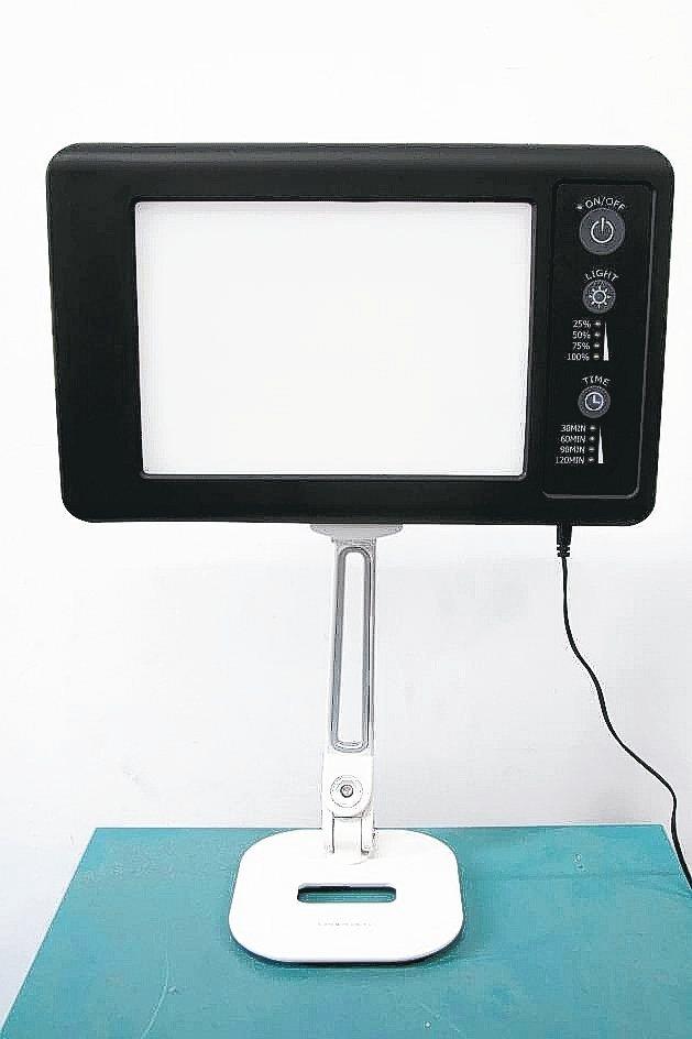 南亞光電推出全新LED光照機,搶進醫療照明市場。 南亞光電/提供