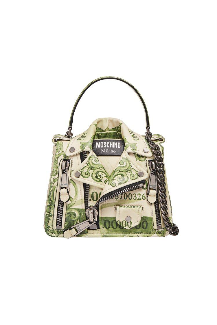Moschino最標誌性的皮夾克包也都印滿Moschino獨家鈔票圖樣,紙醉金迷...