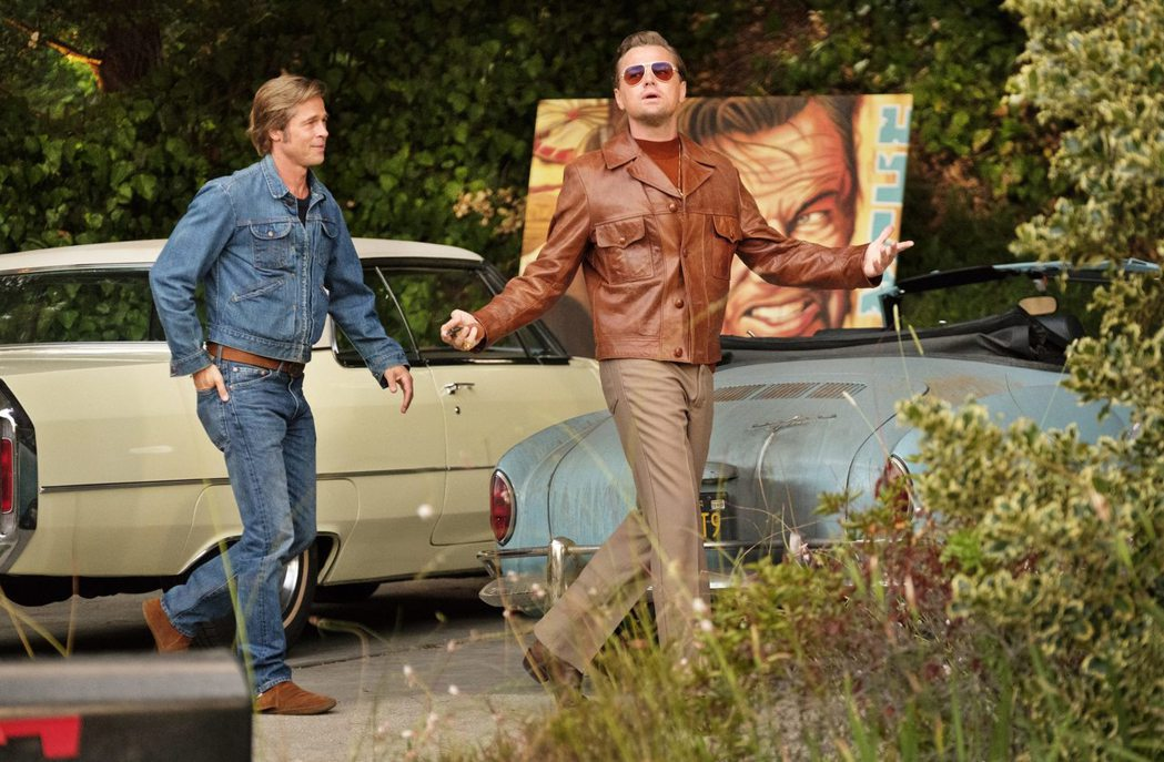 李奧納多狄卡皮歐(左)、布萊德彼特(右)合作電影「從前,有個好萊塢」,充滿火花。...