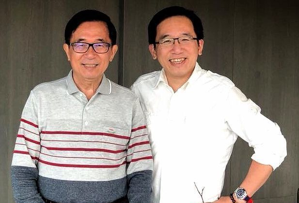 前總統陳水扁(左)和兒子陳致中面對組新政黨,意見不一,扁贊成,陳致中不贊成。 圖...