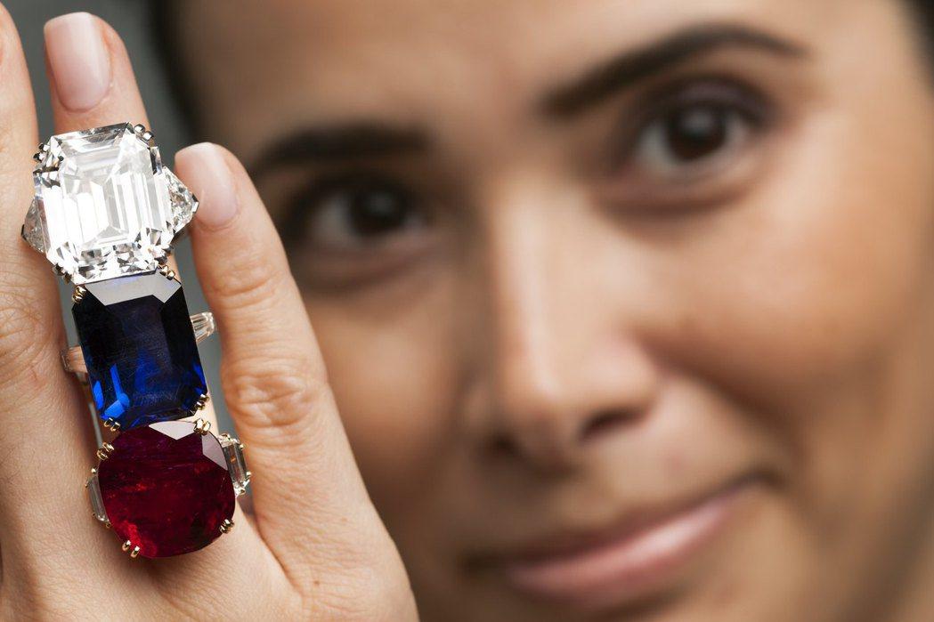 想買便宜的鑽石嗎?歡迎來以色列鑽石交易中心淘寶。 路透