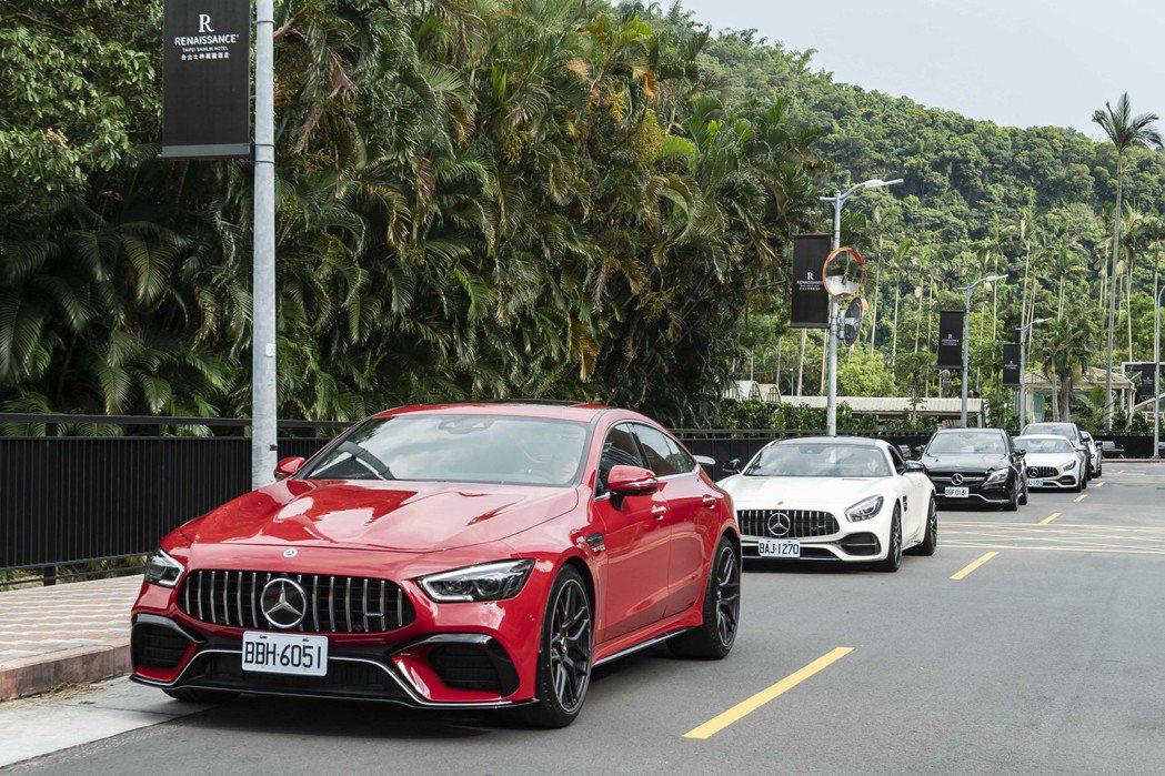 Mercedes-AMG所打造的4.0L雙渦輪增壓V8引擎得到最佳汽缸容積設定的...