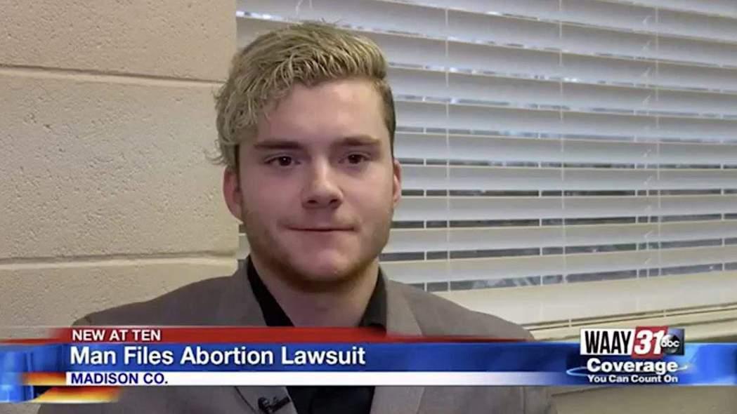 誰才能決定墮胎?圖為「Baby Roe」案,阿拉巴馬州的馬格思(Ryan Mag...