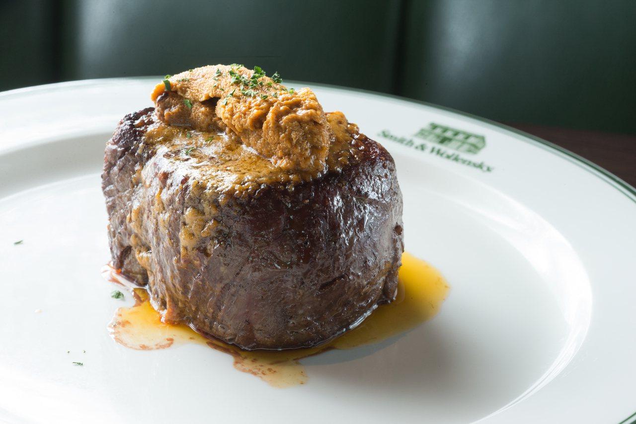 海膽菲力是台灣獨創的菜肴,也只有在台灣限定才吃得到。記者陳立凱/攝影