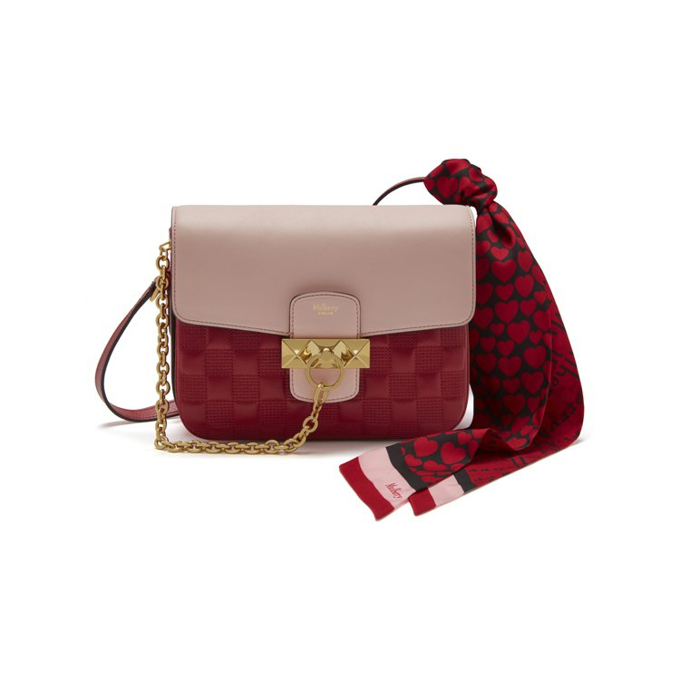 MULBERRY Keeley撞色手袋48,900元、紅色愛心絲巾4,300元。...