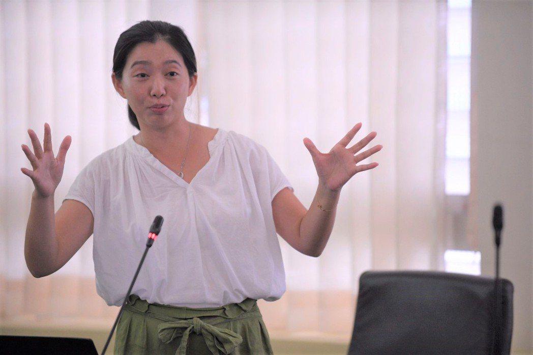 特公盟理事長張雅琳建議花蓮縣府,在打造共融公園時,應分齡適能。圖/花蓮縣府提供