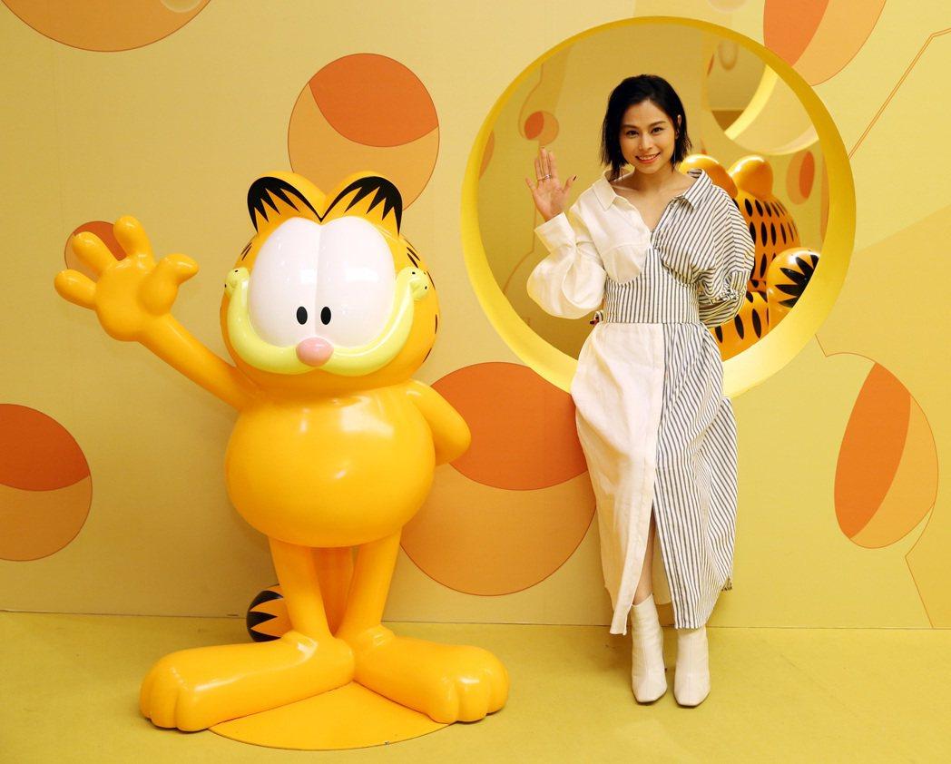 李幸倪參觀加菲貓40周年特展。記者曾吉松/攝影 曾吉松