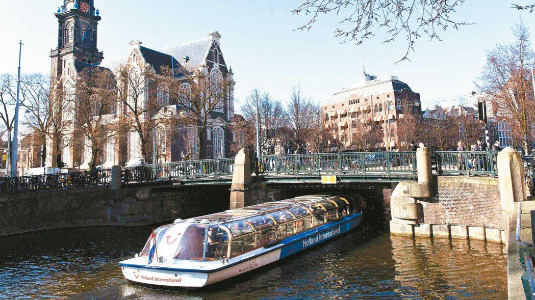 在荷蘭,暑假不僅是屬於小孩和學生的,也是大人的。路透社