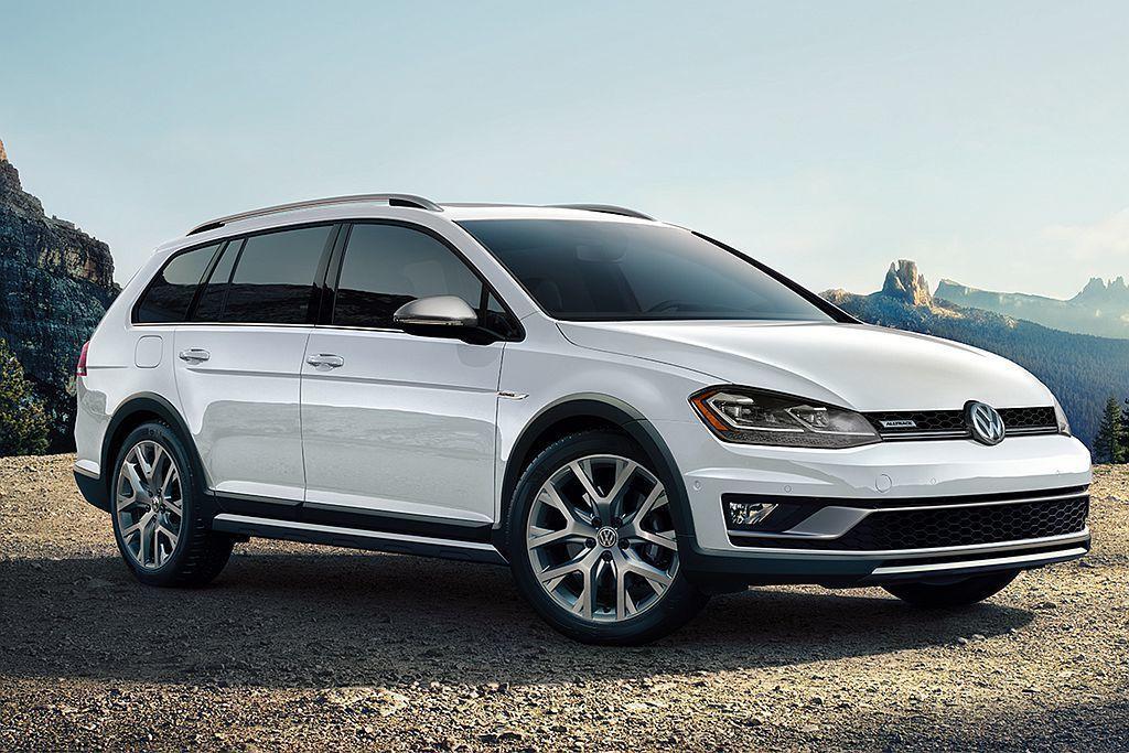 美國福斯汽車分公司宣布,旅行車Golf SportWagen以及跨界車型Allt...