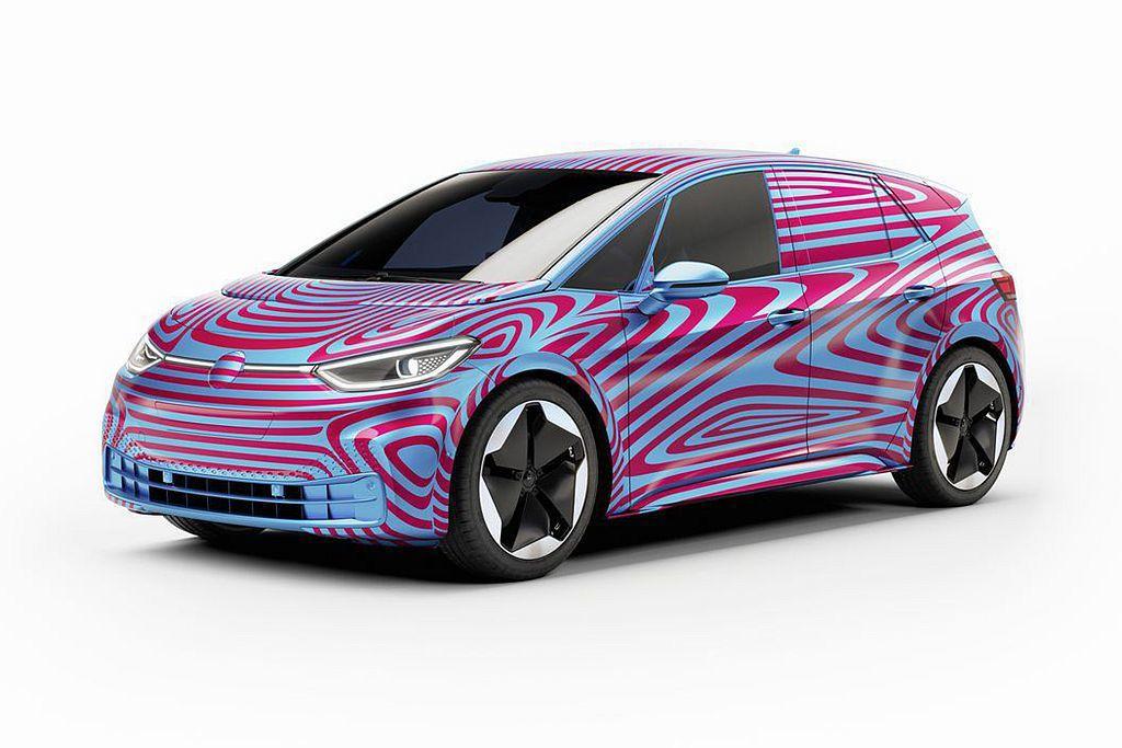福斯ID.3純電掀背車在5月預售開跑後,首周就湧入15,000張以上的訂單,這也...