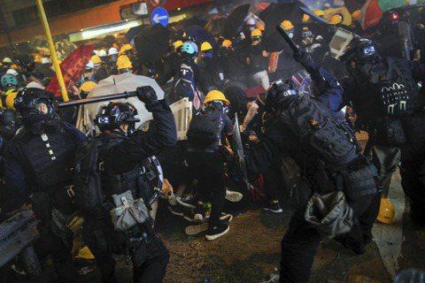 孟買春秋/打不倒的香港:什麼是對家與自由的愛?