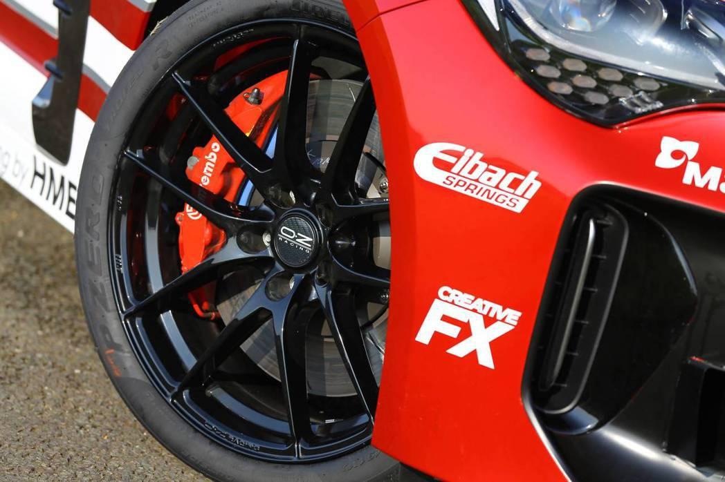 Kia Stinger GT420換上Bremo剎車卡鉗。 摘自Kia