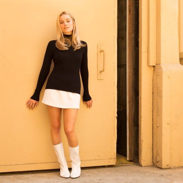 瑪格羅比飾演莎朗蒂。圖/擷自IMDb