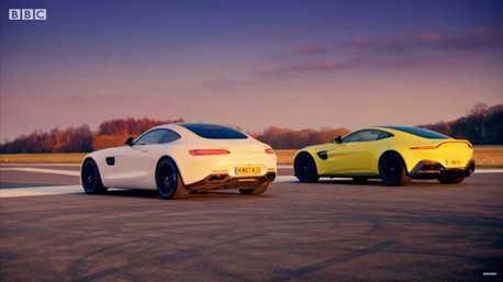 影/Aston Martin Vantage與兄弟Mercedes-AMG GT S的直線加速對決!