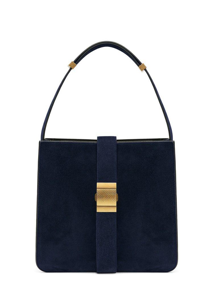 MARIE小牛麂皮方型肩背包,11萬8,000元。圖/Bottega Venet...