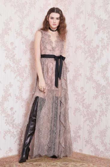 林志玲穿的Blumarine 2019早秋系列洋裝。圖/Blumarine提供