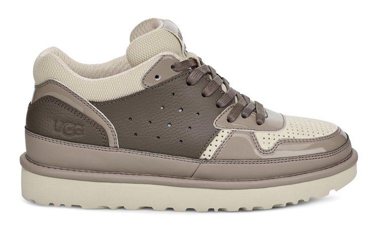 UGG HIGHLAND鞋款(咖啡色),4,800元。圖/UGG提供