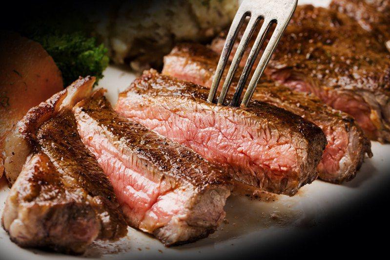 傑克牛排推出七夕、父親節限定套餐。圖/傑克牛排提供