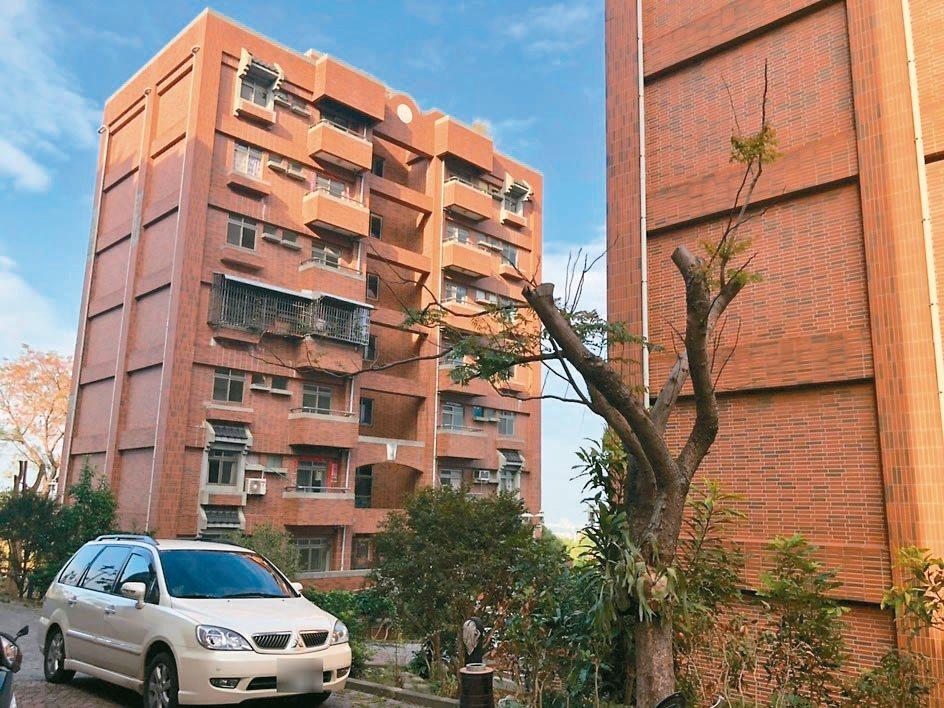 央行理事認為,國內房市回溫,但政府應密切關注房市發展,在房價上漲的預期形成前,採...