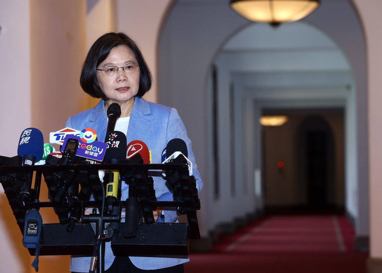 台北市長柯文哲組黨,蔡英文(圖)總統表示,良性競爭可讓民主更深化、更貼進民意。圖...
