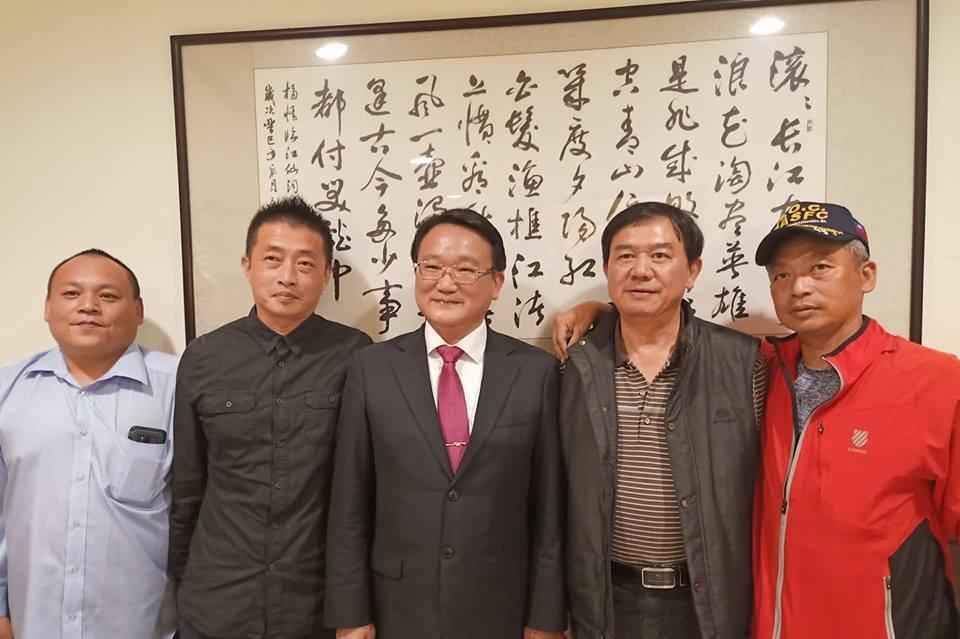 中華民族致公黨主席陳柏光(左三)幾乎每3個月都會來金門與黨員座談與交流,讓不少基...