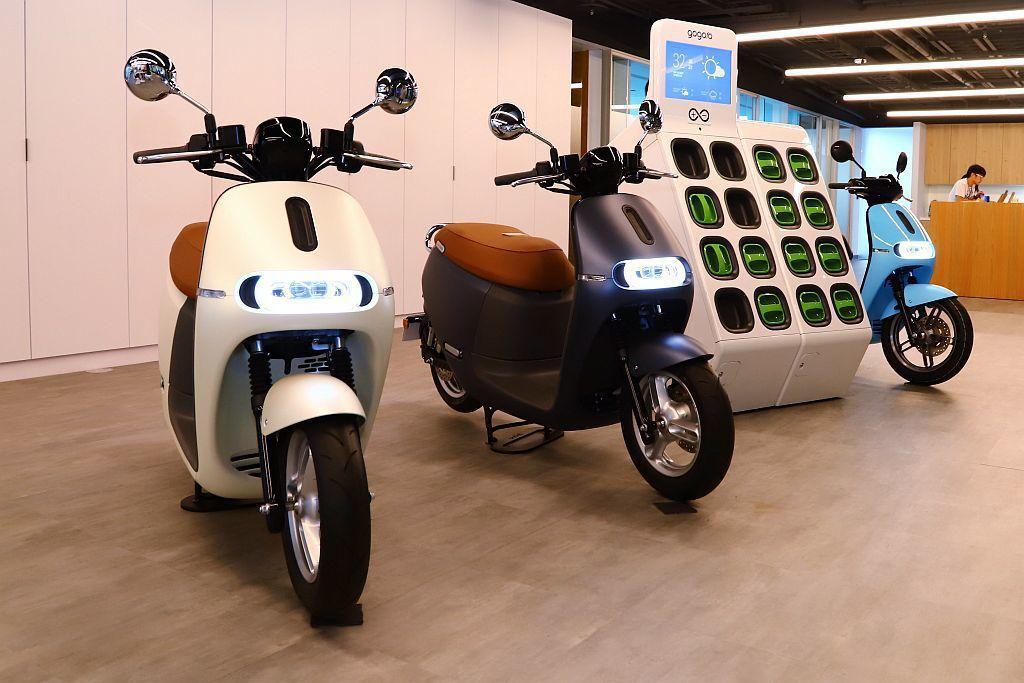 Gogoro 2 Delight於2020新年式車款中增加純粹簡約的「星綻白」與...