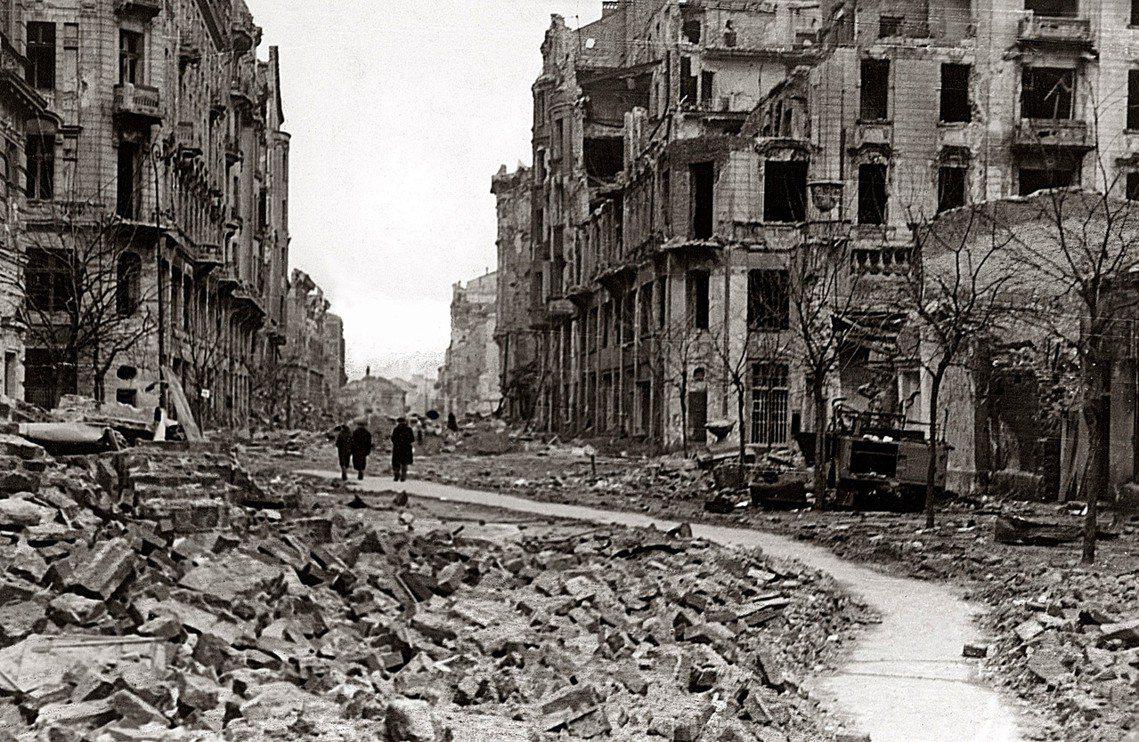 2019年8月1日,是波蘭「華沙起義」75周年。這場歐洲戰場抵禦納粹最浩蕩、也最...