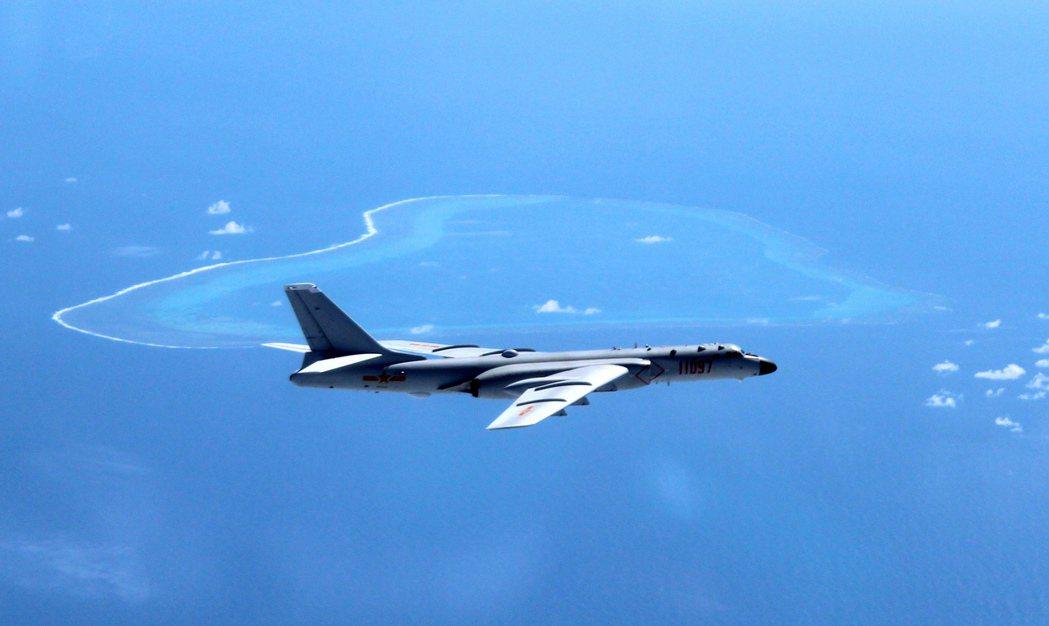 在4月的葡月號事件時,北京曾指責法軍「非法入侵中國海域」,但有法國卻認為:其實法...