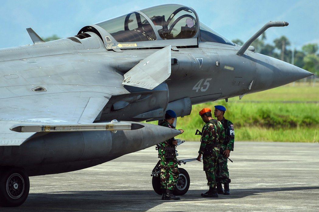 在印度太平洋地區,歐盟的軍事協同機制仍明顯不足。圖為2018年5月份,因遭遇惡劣...