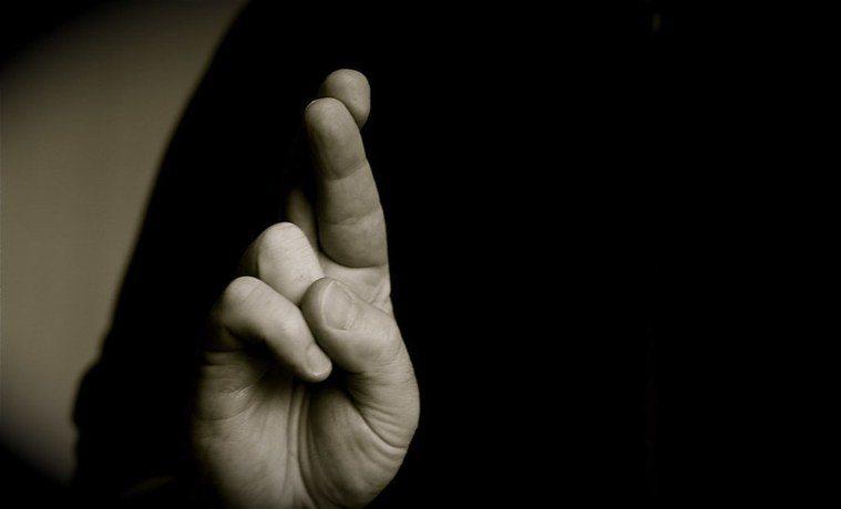 研究指出,說善意謊言有可能導致同理心準確性下降,推測他人情緒能力降低。(Phot...