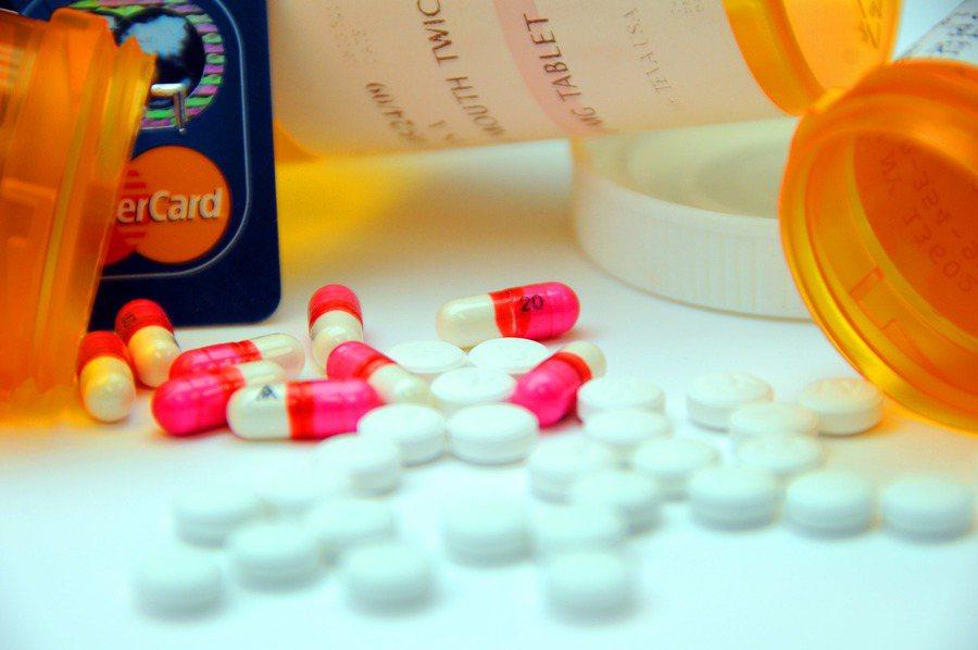 法國學者表示,75歲以上心臟疾病病患忌自行停他汀類藥物,否則發病機率極高。(Ph...
