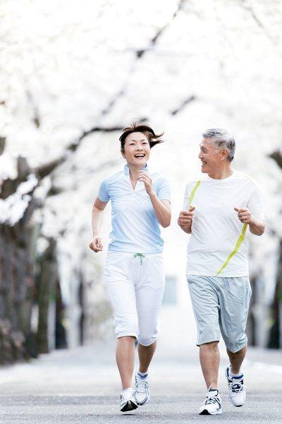 一直以來都流傳:「日行萬步,身體更健康」;但實際上,無論每天走多少步,對身體都會...