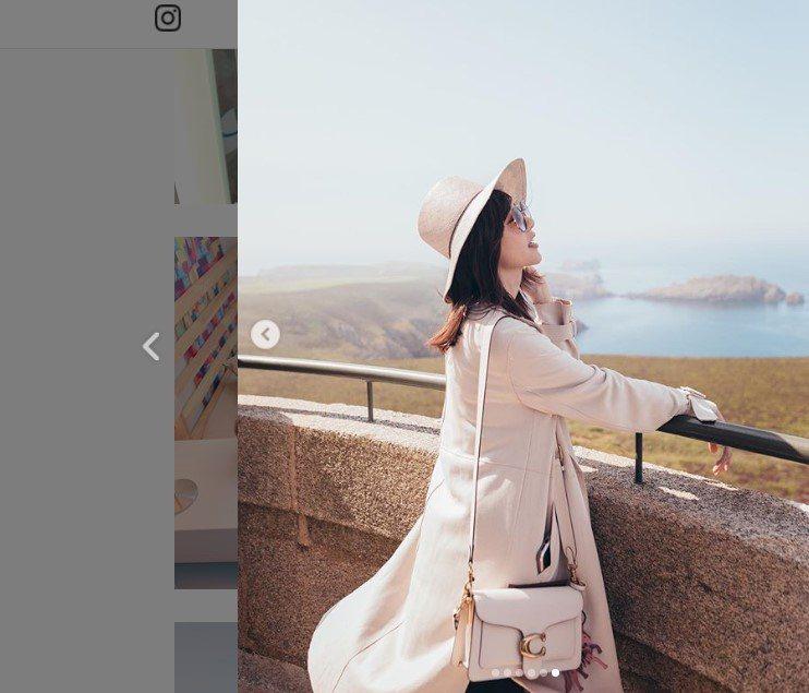 郭雪芙在巴黎以Tabby手袋拍出度假好心情。圖/取自IG