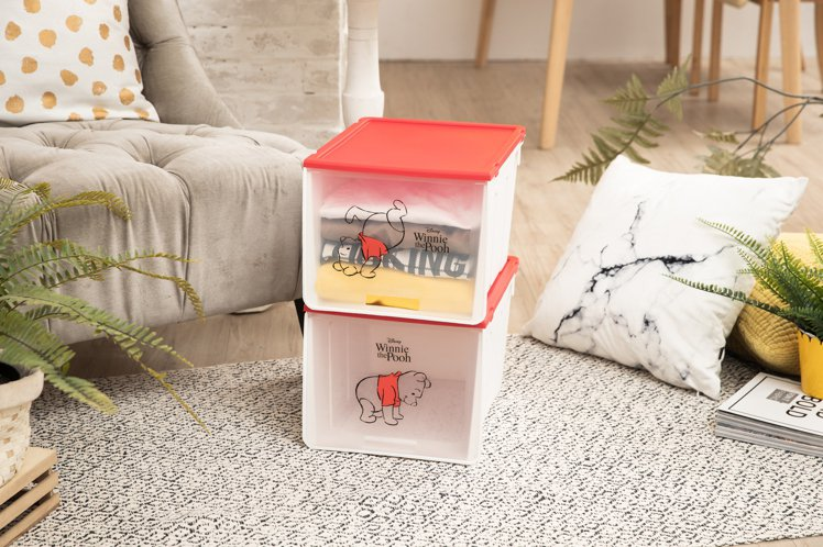 康是美8月14日至8月27日第二波推出兩入一組的維尼系列萬用收納盒,建議售價1,...